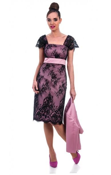 18cead08f3238 Vestido corto para tallas grandes de encaje negro